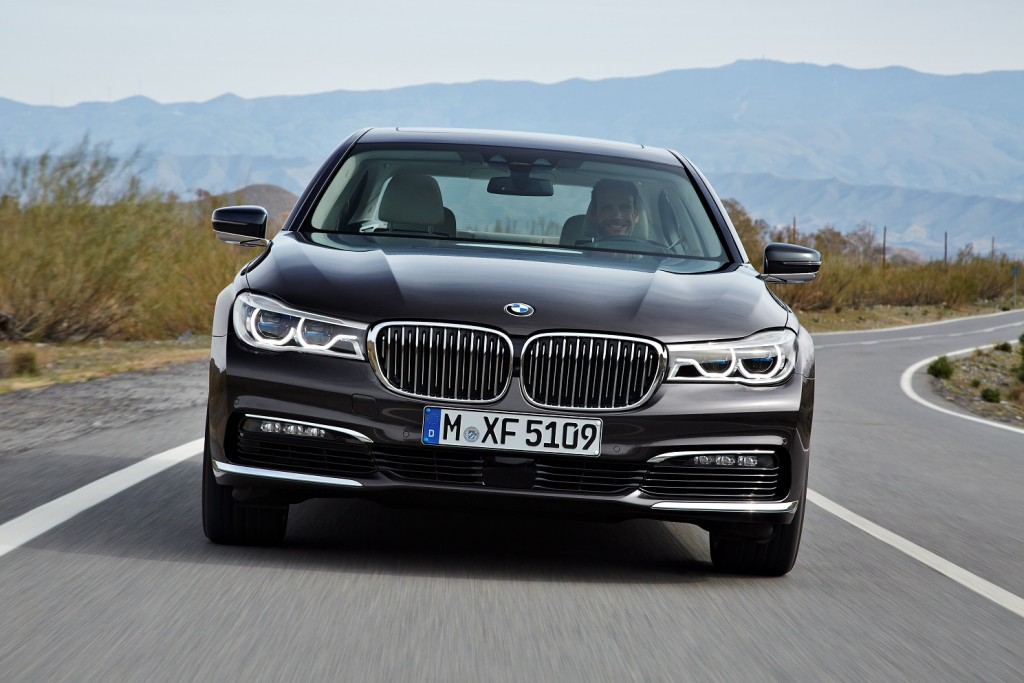 P90178437_highRes_the-new-bmw-7-series AJUSTADA