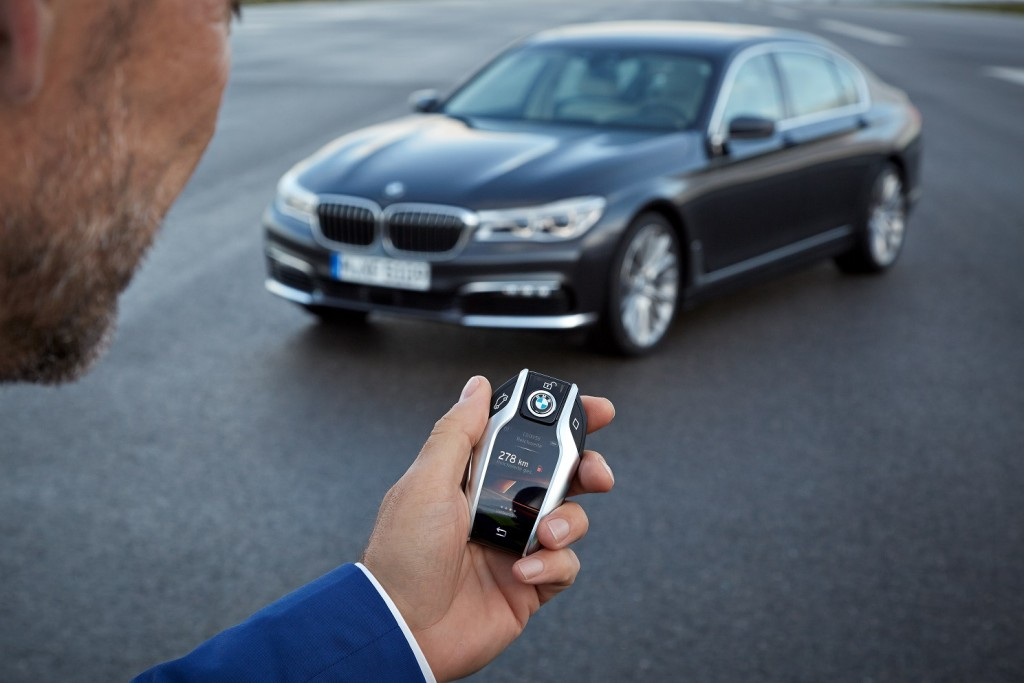 P90178496_highRes_the-new-bmw-7-series AJUSTADA